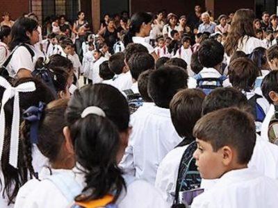 CERTIFICADO DE APTITUD FÍSICA: Ficha Médica Viaje de Egresados, Escolar